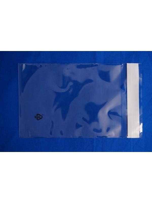 Polybag voorzien van klep met kleefstrook